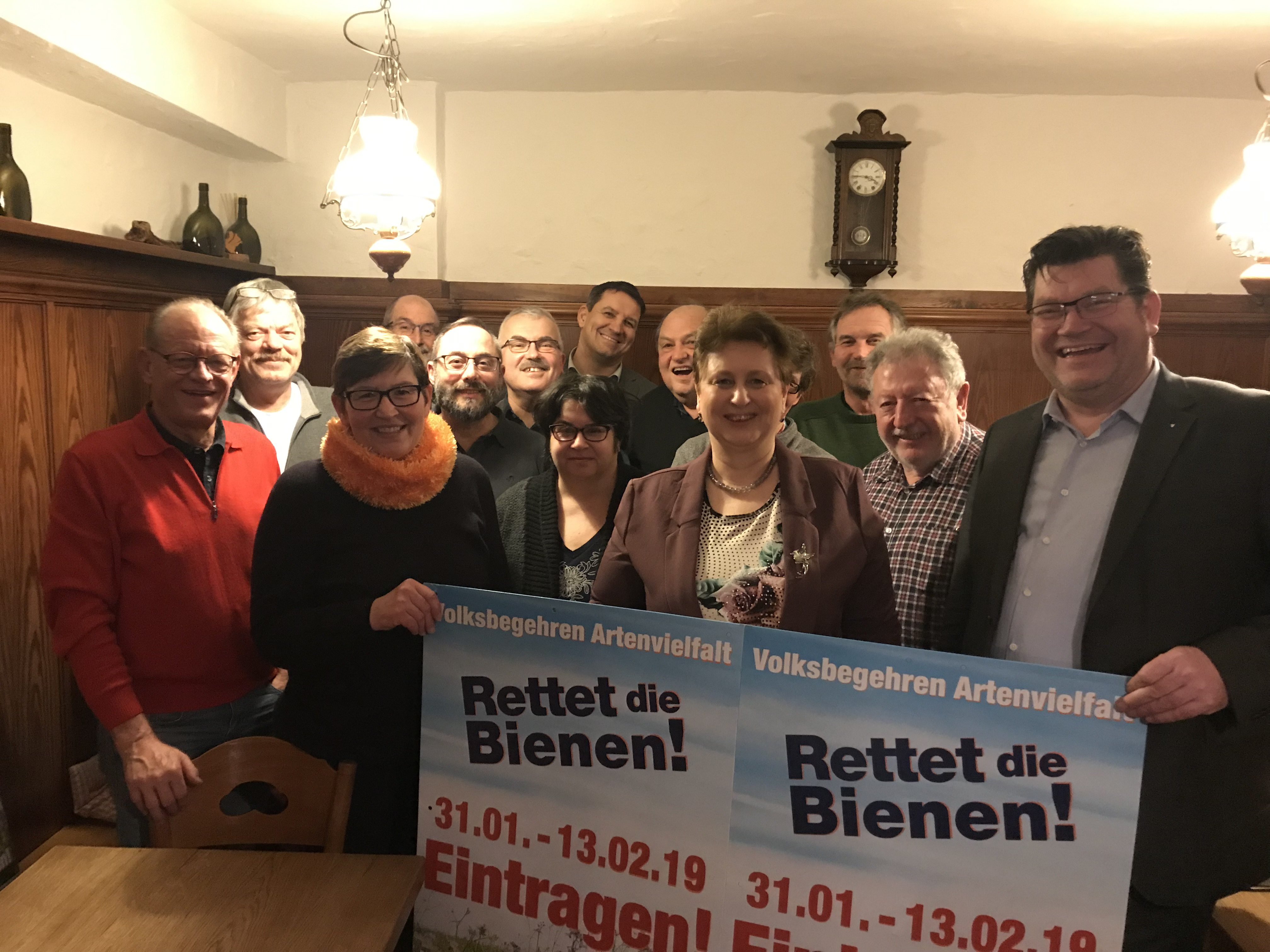 Freude beim Aktionsbündnis - 20,5% im Landkreis Würzburg ist mehr, als wir erwartet haben! Danke an alle Helfer und Unterzeichner!